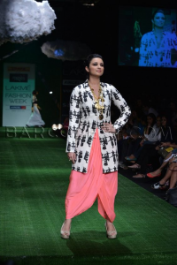 The 21st century fashion - Fashion Industry in India